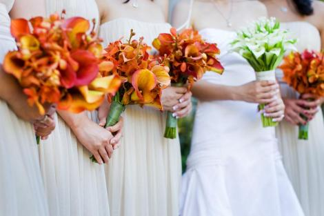 tiffany-luu-bridesmaids-bouquets-lined1